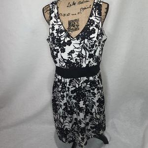 B. Smart Linen Floral Dress XL